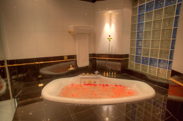 Jacuzzi tub in Royal Suite