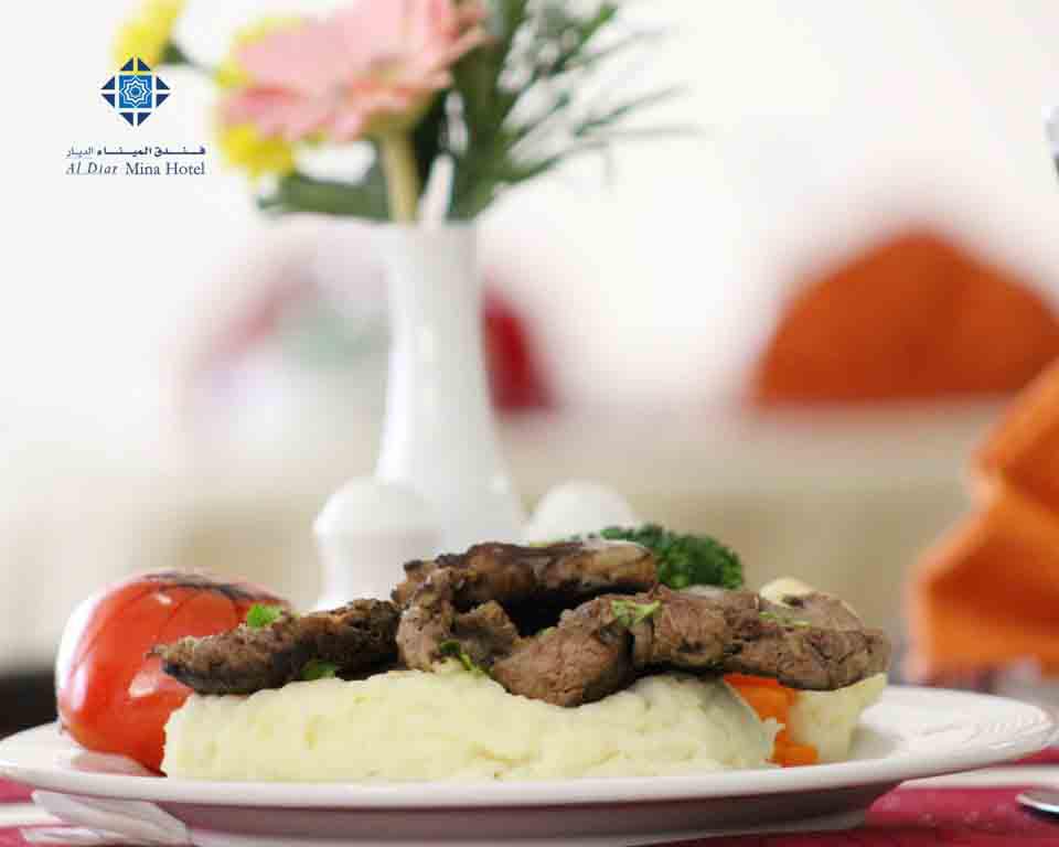 Beef steak with mashed potatoes
