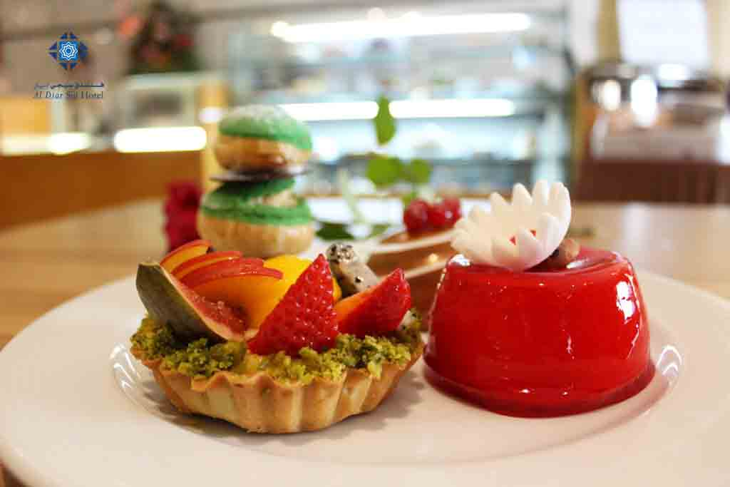 Cakes and pastres at Siji Cafe